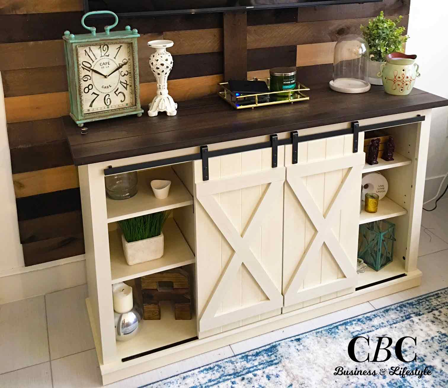 Styling-tips-Capucines-Business-Corner-Family-Room-Decor